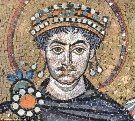 Mosaico del emperador Justiniano. (En: http://api.ning.com/)