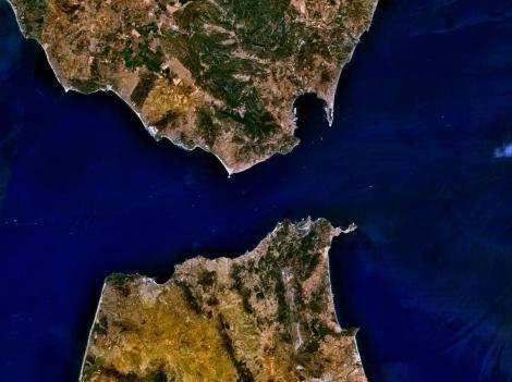 Estrecho de Gibraltar. (tomado de: http://upload.wikimedia.org/)